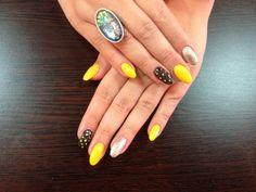 Yellow Black Nails - www.justnails.ro #nails #beauty