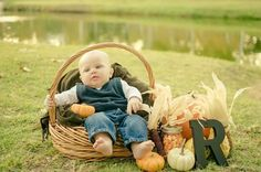 5 month baby pictures fall Roman Pictures, Fall Baby Pictures, 5 Month Olds, Autumn Photography, 5 Months, Baby Month By Month, Picture Ideas, Photo Ideas, Baby Kids