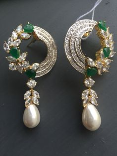 For example, every woman needs an LBD (little black dress), and a pair of pearl earrings. Pearl earrings have the wonderful ability of bein… Jewelry Design Earrings, Gold Jewellery Design, Necklace Designs, Diamond Earrings Indian, Diamond Necklace Set, Pearl Earrings, Indian Wedding Jewelry, Bridal Jewelry, India Jewelry