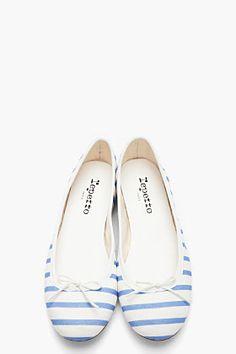 REPETTO Powder blue and white striped Cendrillon flats - Chech Talbots red-striped ballerinas, too. Fab Shoes, Me Too Shoes, Ballerina Flats, Ballet Flats, Style Bleu, Fashion Shoes, Fashion Accessories, Repetto, Pretty Ballerinas