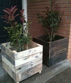 Recycled Pallet Planter Boxes Más The post Pallet Planter Ideas appeared first on Wood Decoration Palette. Used Pallets, Recycled Pallets, Wooden Pallets, Pallet Wood, Recycled Wood, Diy With Pallets, 1001 Pallets, Recycled Furniture, Ideas For Wood Pallets