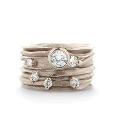 Wide golden ring with diamonds | Wim Meeussen Goldsmith Antwerp