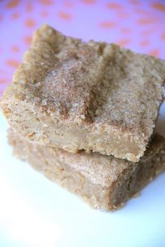 Snickerdoodle Blondies:  extra-moist, chewy snickerdoodles in thick bar form....holy cow, gotta try these!!