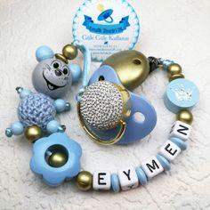 Ahşap ve organik boya ile bebek sağlığına zararsız isimli emzik zinciri.. sipariş için: whatsapp 0553 741 74 13 www.bebek26.com
