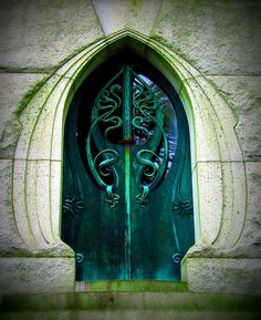 variablejabberwocky: abriendo-puertas: Laurel Hill Cemetery, Philadelphia. By Star Cat I legit thought this was a LOTR thing before I read the caption All my time living in that city and I never saw this; it's like something from the Church of Dagon.