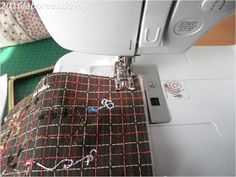 laboreandovoy: Tutorial funda con boquilla recta Sewing, Japanese Fabric, Quilting Patterns, Drip Tip, How To Sew, Dressmaking, Couture, Stitching