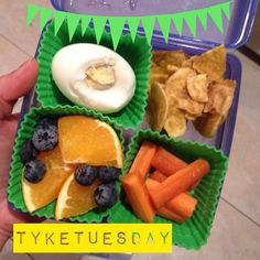 #tyketuesday had a missing piece of egg today! Someone tried to eat the egg for dinner  hard boiled egg plantain chips orange slices blueberries carrot sticks #paleo #kidapproved #hashtagpaleo #jerf #schoollunch #keepitpaleo #eggtheft #tsacpaleo #fitkids K