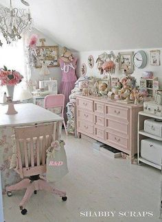 """shabby chic - i""""m beginning to get into shabby chic again.Have done my spare room in shabby chic .beautiful pinks and whites Shabby Chic Bedrooms, Shabby Chic Cottage, Vintage Shabby Chic, Shabby Chic Homes, Shabby Chic Style, Shabby Chic Furniture, Vintage Style, Pink Furniture, Romantic Bedrooms"""
