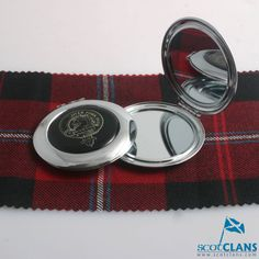 Clan Crest Compact M