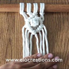 Macrame Design, Macrame Art, Macrame Projects, Macrame Knots, How To Macrame, Macrame Wall Hanging Patterns, Macrame Plant Hangers, Macrame Patterns, Macrame Curtain