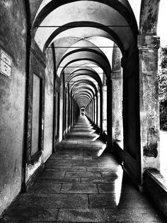Vanishing point. Love older architecture.