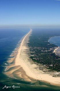 Baïnes Cap Ferret, Gironde, Aquitania Encuentra vuelos internacionales super baratos t . France City, Ville France, Lacanau Ocean, Travel Around The World, Around The Worlds, French Countryside, Beaches In The World, Adventure Is Out There, France Travel