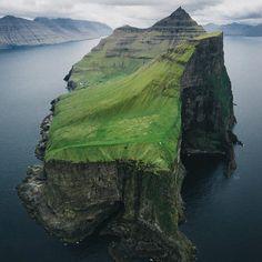 """The lonely island. Location: Faroe Islands. : Merlin Kafka (@the_kafka) — #faroeislands #travel…"""""""