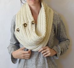 giant-knit-cowl-easy-knit-pattern-3