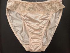 f603376da2d NWOT Vtg OLGA Silky Ivory NYLON LACE Panty Hi-Cut Style 21100 Size 6  Backseam