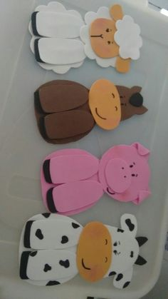 EVA pets, I took the molds and saw the explanation in the Creativities channel of . Foam Crafts, Diy Crafts To Sell, Diy Crafts For Kids, Arts And Crafts, Paper Crafts, Farm Animal Crafts, Animal Crafts For Kids, Farm Animals, Farm Animal Birthday