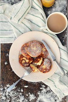 Syrniki- Russian farmer's cheese pancakes