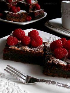 Ciasto Czekoladowe z Malinami (Brownies z Malinami) - Przepis - Słodka Strona Nigella, Brownies, Cake Brownies