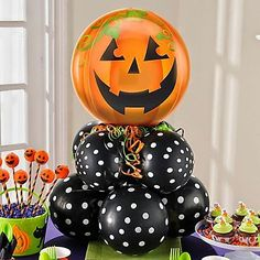 Shop for foil and latex Halloween balloons, from cute to creepy. Find all the balloon accessories to complete your Halloween display. Halloween Balloons, Adult Halloween Party, Halloween Birthday, Halloween Party Decor, Cute Halloween, Holidays Halloween, Halloween Crafts, Halloween Witches, Halloween Cookies