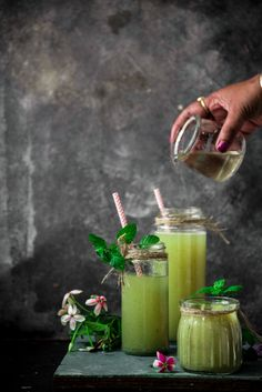 Quick Aam Panna Recipe for Indian Summer - Culinary Xpress Summer Drink Recipes, Summer Drinks, Fun Drinks, Healthy Drinks, Aam Panna Recipe, Blueberry Gin, Mango Puree, Fresh Mint Leaves, Juice Drinks
