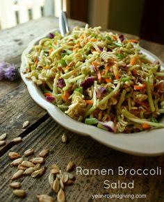 Ramen Broccoli SaladThe best way to eat Ramen Noodles is in this broccoli salad. Broccoli slaw and Ramen Noodl Ramen Recipes, Cooking Recipes, Healthy Recipes, Yummy Recipes, What's Cooking, Asian Recipes, Ramen Noodle Salad, Ramen Noodles, Salads