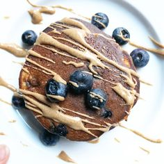 Blueberry Almond Butter Banana Blender Pancakes…well that's a mouthful. No pun intended, these pancakes are both yummy and healthy so you can have your (pan)cake and eat it too! Brunch Recipes, Breakfast Recipes, Grass Fed Gelatin, Thing 1, Sugar Detox, Vanilla Yogurt, Non Stick Pan, Perfect Food, Almond Butter