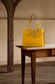 CHLOE FAYE TOTE IN GRAINED CALFSKIN AND SUEDE LEATHER CURRY YELLOW