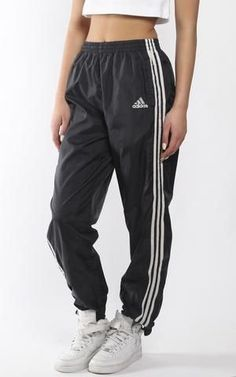 Vintage Adidas Wind Pants I just thrifted these, and looking for outfit inspo Adidas Vintage, Sweatpants Outfit, Adidas Outfit, Adidas Sweatpants, Sporty Outfits, Fashion Outfits, Fashion Women, Fashion Ideas, Looks Adidas
