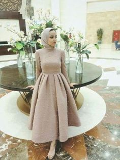 evening dresses Every girl should choose a dress that suited her body type; some girls prefer the puffy soiree style, other girls prefer the pencil or the wrapped dresses. Hijab Prom Dress, Hijab Evening Dress, Hijab Style Dress, Hijab Wedding Dresses, Evening Dresses, Dress Wedding, Wedding Bride, Prom Dresses Long With Sleeves, Simple Dresses