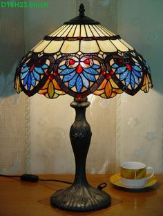 Baroque Tiffany Lamp 16S6-36T311 Stained Glass Lamps, Stained Glass Patterns, Lampe Art Deco, Louis Comfort Tiffany, Tiffany Lamps, Dream Bedroom, Baroque, Shabby Chic, Table Lamp