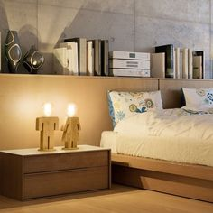 Snoerboer - Adam tafellamp man 24cm 1x E27 hout Floating Nightstand, Master Bedroom, Furniture Design, Table, Home Decor, Lighting, Products, Shape, House Decorations