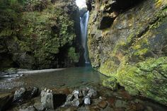 日本の滝百選!四国一の落差を誇る豪快な滝