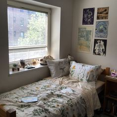 ps this my dorm Room Design Bedroom, Room Ideas Bedroom, Home Room Design, Bedroom Decor, Indie Room, Aesthetic Room Decor, Dream Rooms, Cool Rooms, My New Room