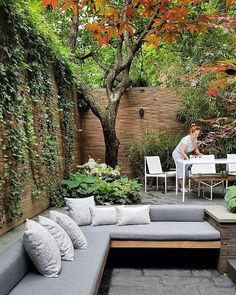 22 Marvelous Winter Garden Design For Small Backyard Landsca.- 22 Marvelous Winter Garden Design For Small Backyard Landscaping Ideas — TERACEE - Small Garden Landscape, Small Backyard Gardens, Small Backyard Landscaping, Backyard Garden Design, Small Gardens, Patio Design, Backyard Patio, Landscaping Ideas, Diy Garden