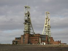 Clipstone Colliery, Mansfield, headstocks (stated to be the highest in Europe) and surrounding cleared pit-head site. Nottingham Uk, Coal Mining, Urban Exploration, Abandoned Places, Urban Decay, Europe, Explore, History, City