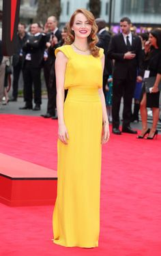 Emma looked perfect in this Atelier Versace gown #EmmaStone