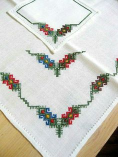 Hand Embroidered Tablecloth & Napkins Linen Crewel by CoconutRoad Crewel Embroidery Kits, Learn Embroidery, Embroidery Patterns Free, Silk Ribbon Embroidery, Embroidery Needles, Vintage Embroidery, Cross Stitch Embroidery, Embroidery Designs, Crochet Towel