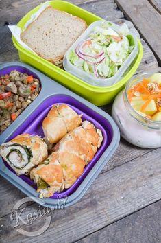 Po Świętach wróciliśmy do rutyny, więc musiały na blogu pojawić się kolejne propozycje na jedzenie, które zabieramy ze sobą do pracy. Z mojego Jacka jest niezły żarłoczek, więc porcje ni... Work Lunch Box, Kids Packed Lunch, Healthy Snacks, Healthy Eating, Healthy Recipes, Work Meals, Food Design, Meal Prep, Chicken Recipes