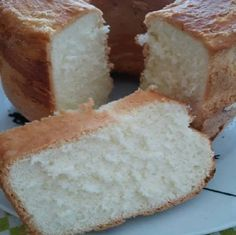 Bolo Brevidade - Receita Toda Hora Homemade Cake Recipes, Homemade Cheese, Brazillian Food, Good Food, Yummy Food, Portuguese Recipes, Cheesecake Recipes, Sweet Recipes, Cupcake Cakes