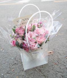 Floral Shops, Unicorn Birthday Parties, Garden Gifts, Flower Boxes, Marketing Ideas, Flower Tutorial, Valentine Gifts, Floral Arrangements, Bouquet