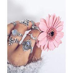 SnapWidget | Boho #rings via @socialwardrobe #bohemian #bohemianstyle #jewelry #boho #bohochic #flowers #seaofgirasoles #style #styling #fashion #fashionblogger #instalove #instadaily