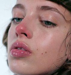 timblanks: nose blush