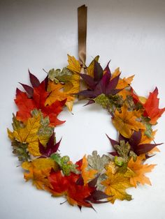 A fall leave wreath, what could be prettier than this? - Fall Crafts For Kids Thanksgiving Crafts For Toddlers, Diy Crafts For Kids Easy, Autumn Crafts, Fall Crafts For Kids, Toddler Crafts, Diy Thanksgiving Crafts, Leaf Crafts, Fall Wreaths, Autumn Leaves