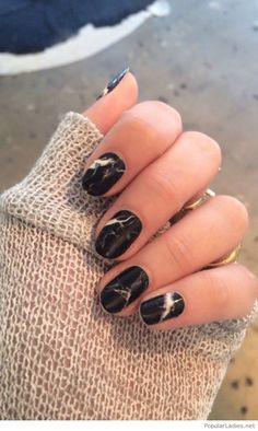 Cool marble nails trend