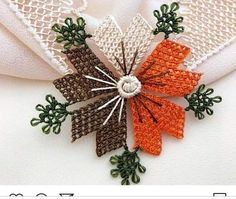 Seed Bead Tutorials, Beading Tutorials, Needle Lace, Seed Beads, Elsa, Diy And Crafts, Embroidery, Crocheted Flowers, Crochet Trim