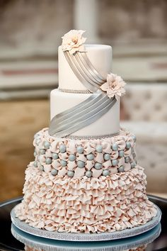 A gallery of the Best Wedding Cakes of 2013 ~ Vue Photography // Cake Design: For Goodness Cakes | bellethemagazine.com