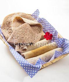 Injera de trigo (pan plano esponjoso etíope)