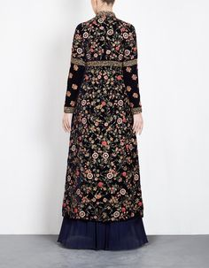 Batik Fashion, Abaya Fashion, Muslim Fashion, Fashion Outfits, Stylish Dress Designs, Stylish Dresses, Elegant Dresses, Dress Pesta, Indian Gowns Dresses