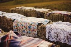 Hay bales with blankets or quilts draped over for seating Wedding Trends, Wedding Blog, Diy Wedding, Dream Wedding, Wedding Day, Wedding Menu, Party Wedding, Rustic Wedding, Wedding Ceremony