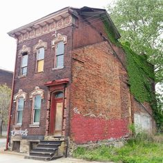 Image result for alley between houses in pittsburgh Places Around The World, Around The Worlds, British Soldier, Pittsburgh Pa, Abandoned Places, Fences, Houses, Cabin, Mansions